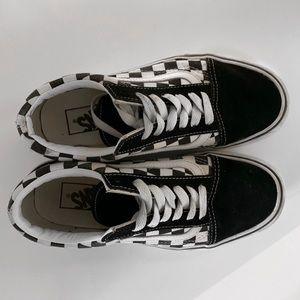 Checkerboard low top platform vans!